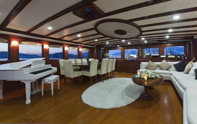 Yacht REGINA - Salon